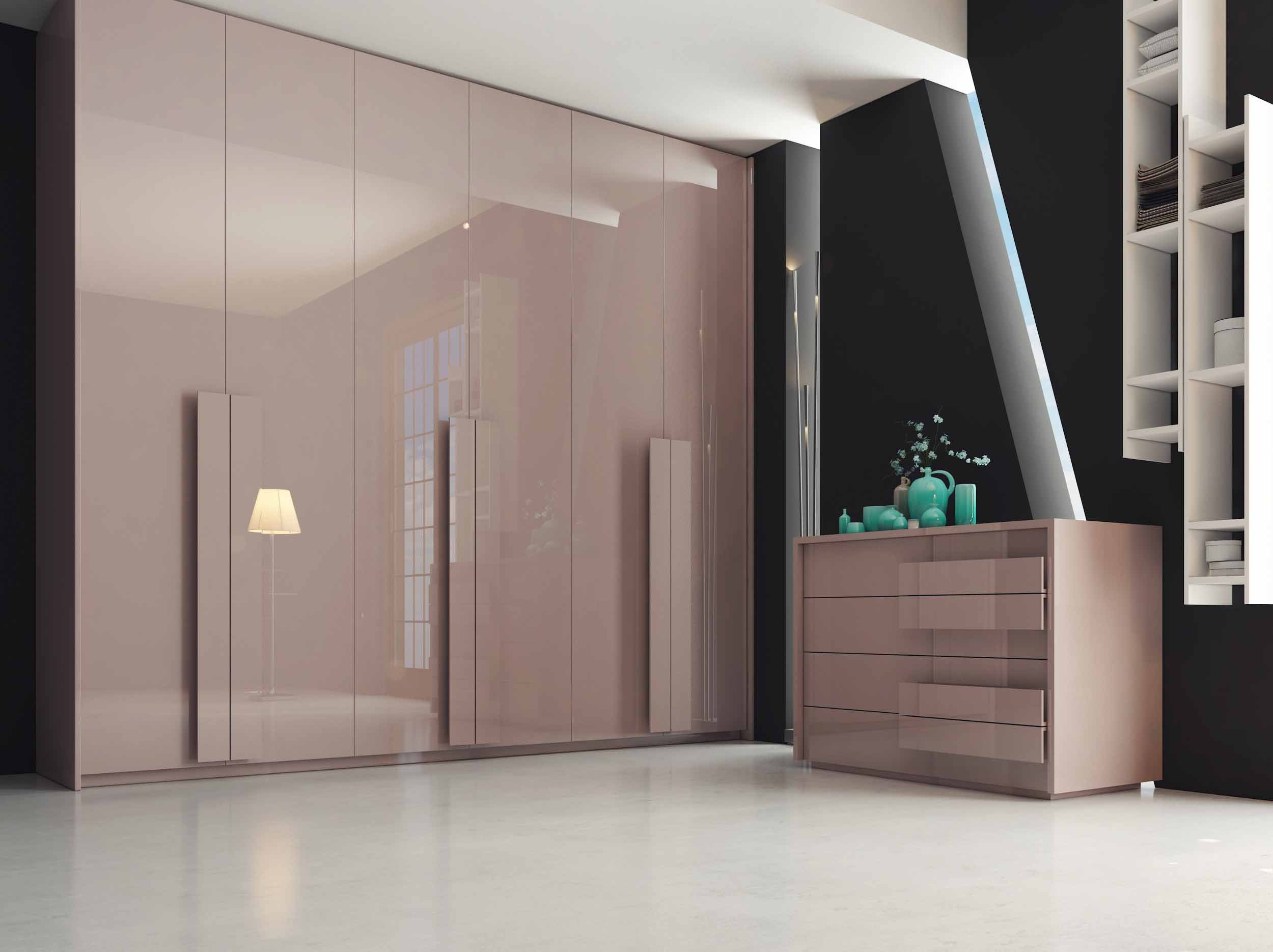 Hinged fitted wardrobe with dresser unit in Beige high gloss finish